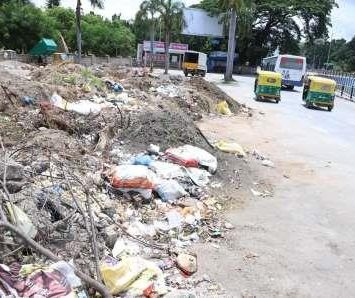Garbage greets Bengaluru airport road